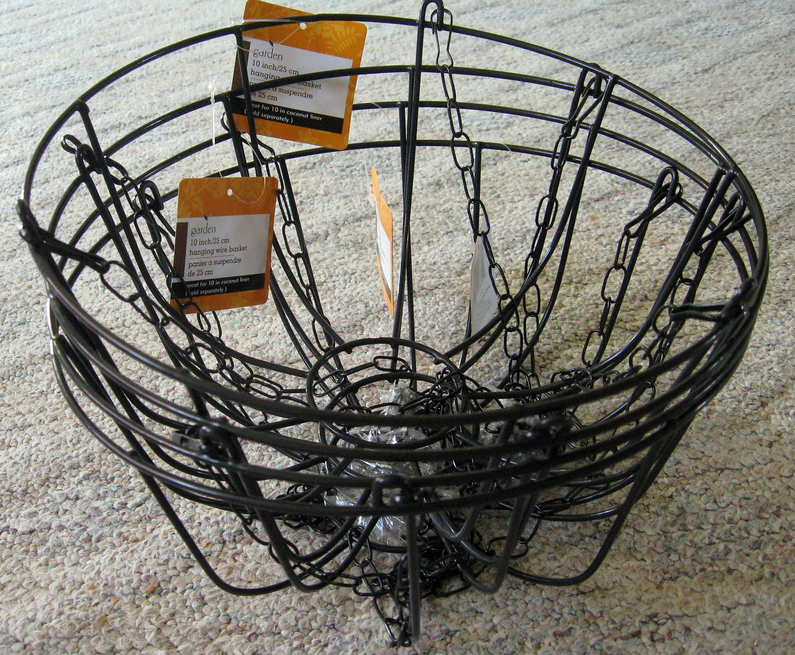 Nice Here Is A Close Up Of What My Basket Looks Like.You Will Cut Out A  Section Of The Basket So That It Sits Flat Against The Board.
